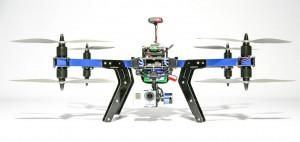 Dank einem Payload von 800 bis 1.000 Gramm ist der 3D-Robotics X8+ nicht nur zum Tragen einer GoPro HERO geeignet – auch andere Kamera-Modelle samt Ausgleichssystem (Gimbal) können am Oktokopter im X-Setup montiert werden. Foto: http://3drobotics.com