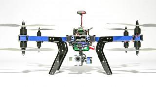 Dank einem Payload von 800 bis 1.000 Gramm ist der 3D-Robotics nicht nur zum Tragen einer GoPro HERO geeignet – auch andere Kamera-Modelle samt Ausgleichssystem (Gimbal) können am Oktokopter im X-Setup montiert werden.