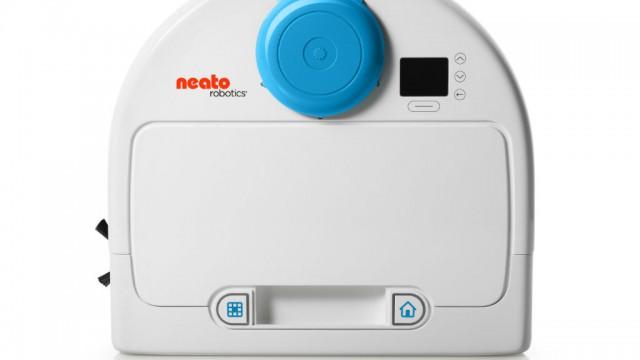 neato-botvac_85_blue-top-view