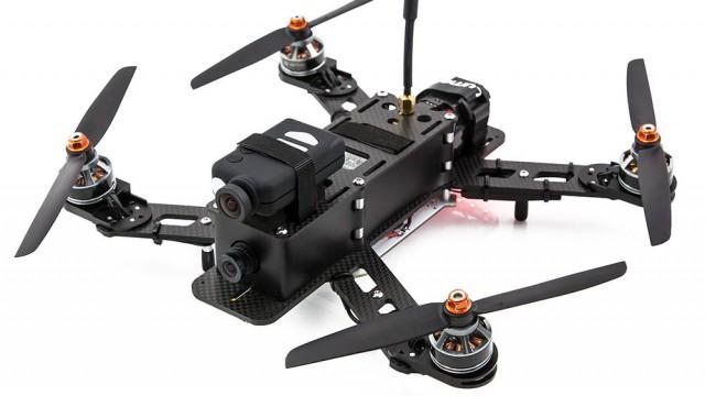fpv racing mit fpv racer quadrocoptern. Black Bedroom Furniture Sets. Home Design Ideas