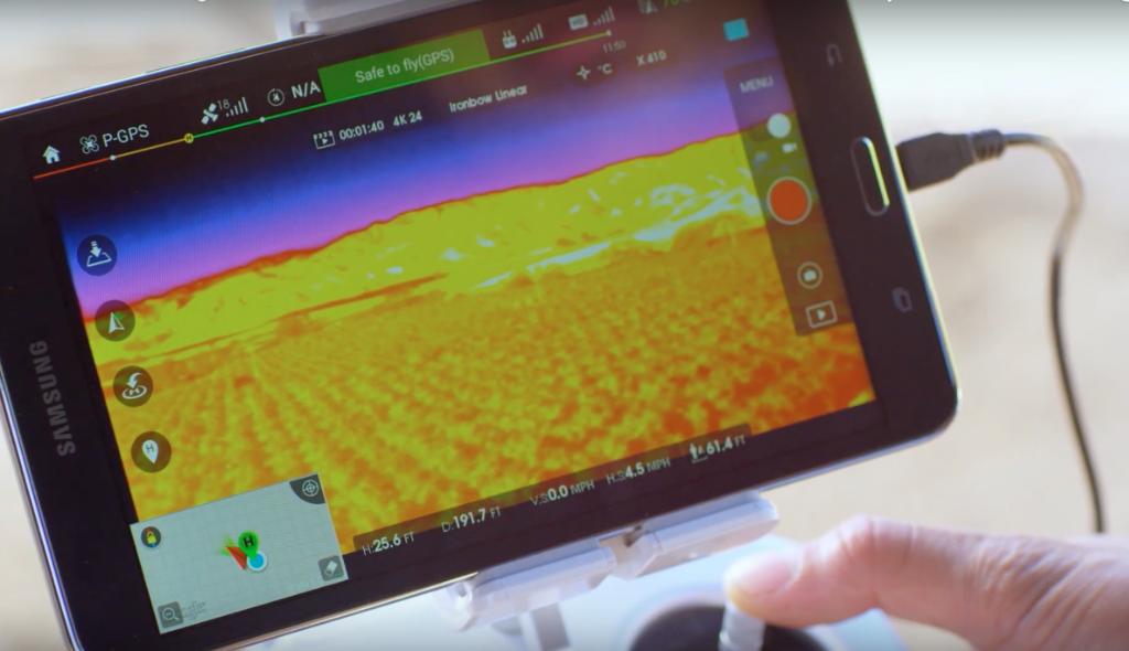 Alles im Blick: Auf dem Tablet wird das Wärmebild mit Hilfe vom DJI Lightbridge-System in Echtzeit angezeigt.