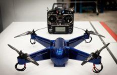 Der Quadrocopter wurde vollständig – inklusive der elektronischen Bauteile – im 3D-Druckverfahren hergestellt. Lediglich Propeller und Motoren müssen nach dem 3D-Druck montiert werden. Foto: http://media.ntu.edu.sg