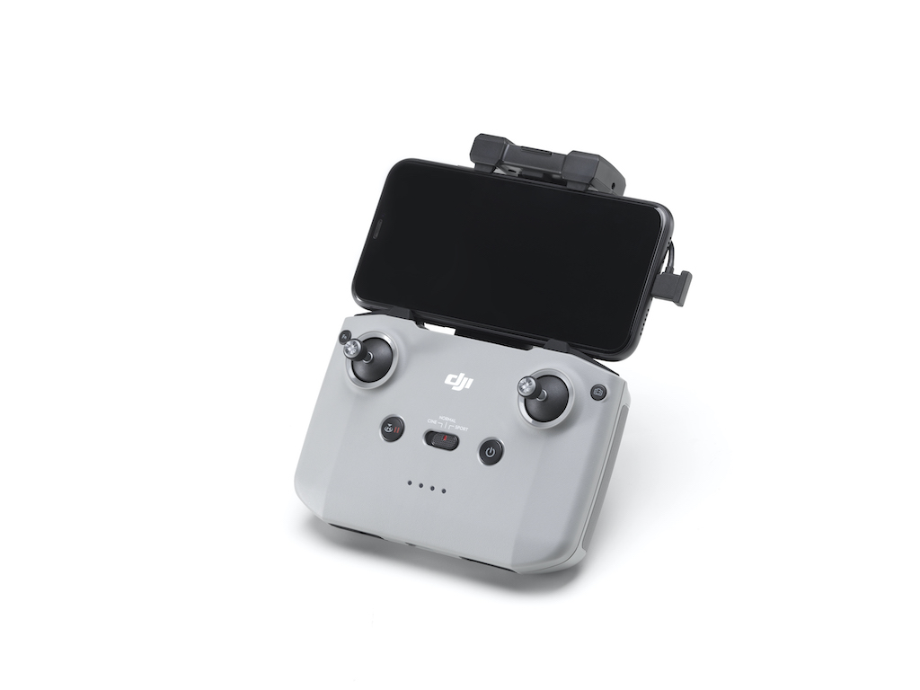 DJI Air 2S Controller mit Smartphone
